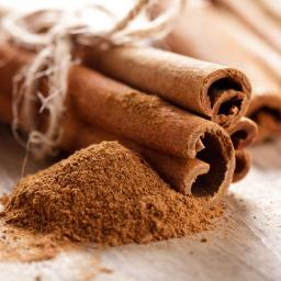Cinnamon_Quills_and_powder.jpg