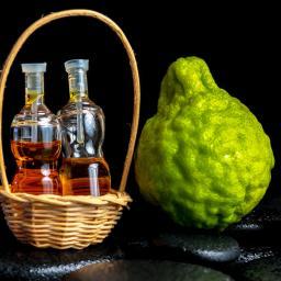 bergamot-fruits-and-essential-oil-bottles-900x900.jpg